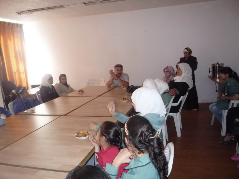 Photo of ACHRS organized educational workshop tour for the fifth BAQA females' junior high school.